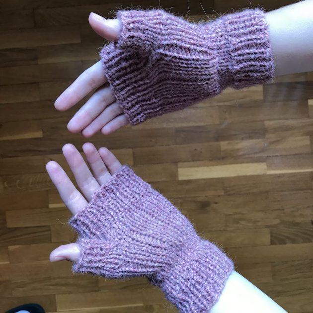 easy fingerless mittens